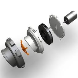 Pour obtenir plus de puissance du nouvel aspirateur rechargeable, nous avons complètement redessiné l'unité de ventilation. Nous avons tout d'abord augmenté le vide en optimisant le flux d'air. Ensuite, pour réduire les pertes, nous avons encapsulé le ventilateur. Et finalement, nous avons optimisé la forme et l'ange des pales de ventilateur. Le résultat est une pièce technique intelligente générant un plus grand flux d'air et plus d'aspiration que jamais.